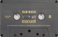 maxell_xlii-s100_071126 audio cassette tape